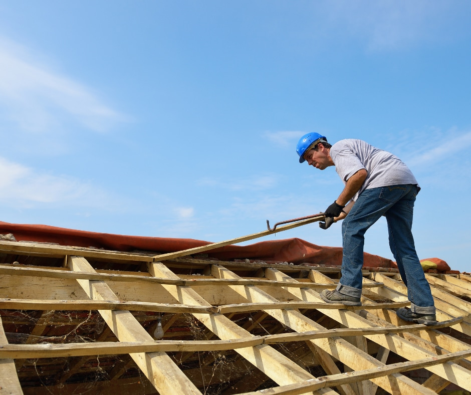DIY Roof Replacement vs Hiring a Professional